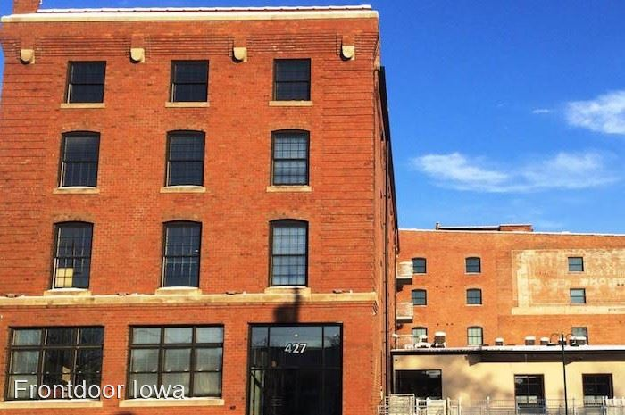 427 Pershing Ave. Market Lofts