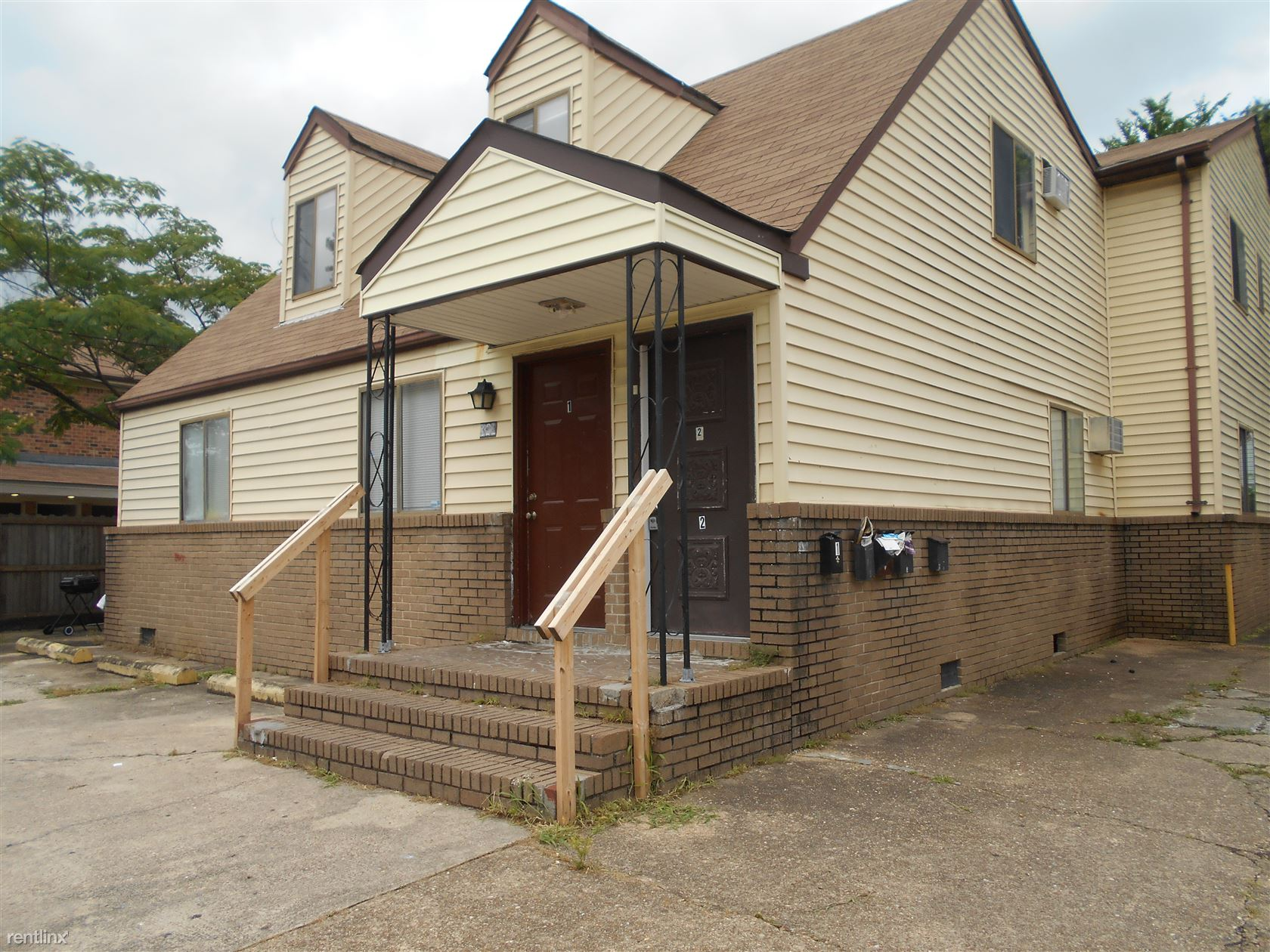 326 Ashlawn Dr Apt 2